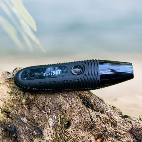 Der Boundless CFC 2.0 Vaporizer ist klein und leicht, sodass Sie ihn für unterwegs mitnehmen können